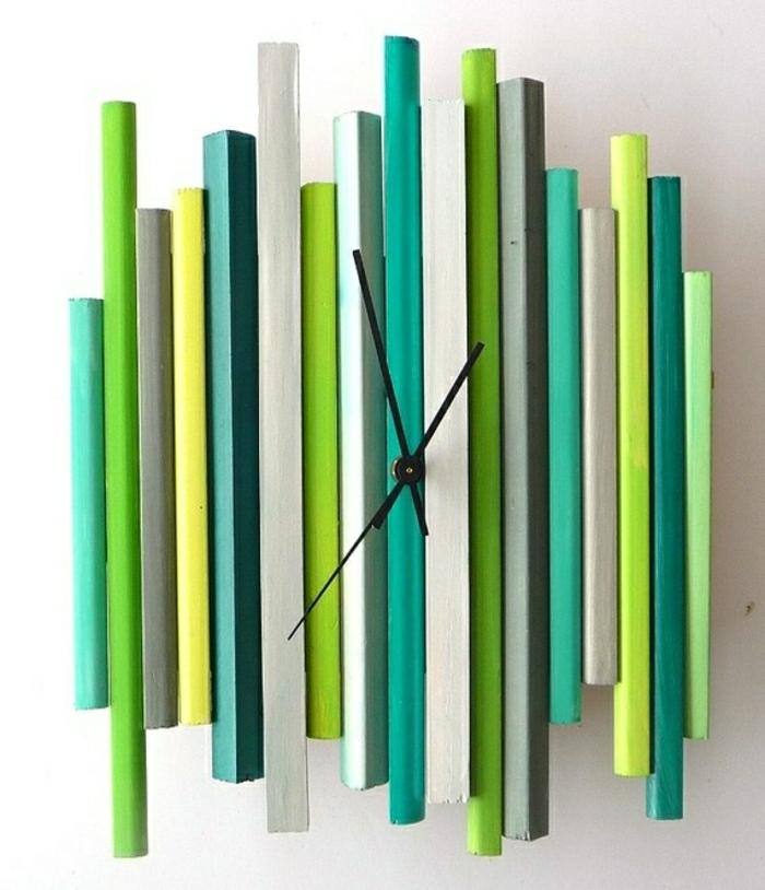 pendule-murale-colorée-vert-bleu-beige-gris-élégante-variante