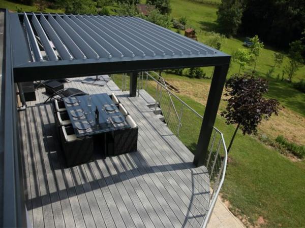 La pergola bioclimatique d coration et fonctionnalit pour l 39 ext rieur for Decoration terrasse exterieure moderne