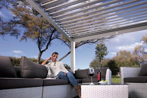 pergola-bioclimatique-espace-de-relaxation