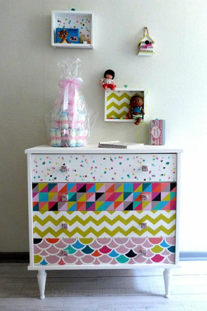 petit-meuble-chambre-enfant-commode-coloré-en-bois