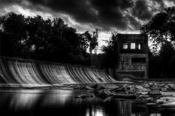 photo-la-nature-batiment-abanconne-noir-et-blanc-photographie-artistique