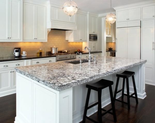 plan-de-travail-en-marbre-îlot-de-cuisine-gris