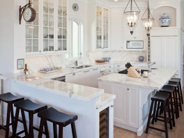 plan-de-travail-en-marbre-bar-de-cuisine-et-îlot-de-cuisine-en-marbre-blanc