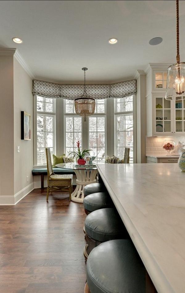 plan-de-travail-en-marbre-dans-la-cuisine-moderne
