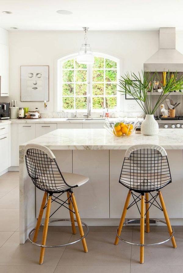 plan-de-travail-en-marbre-un-comptoir-élégant-de-cuisine