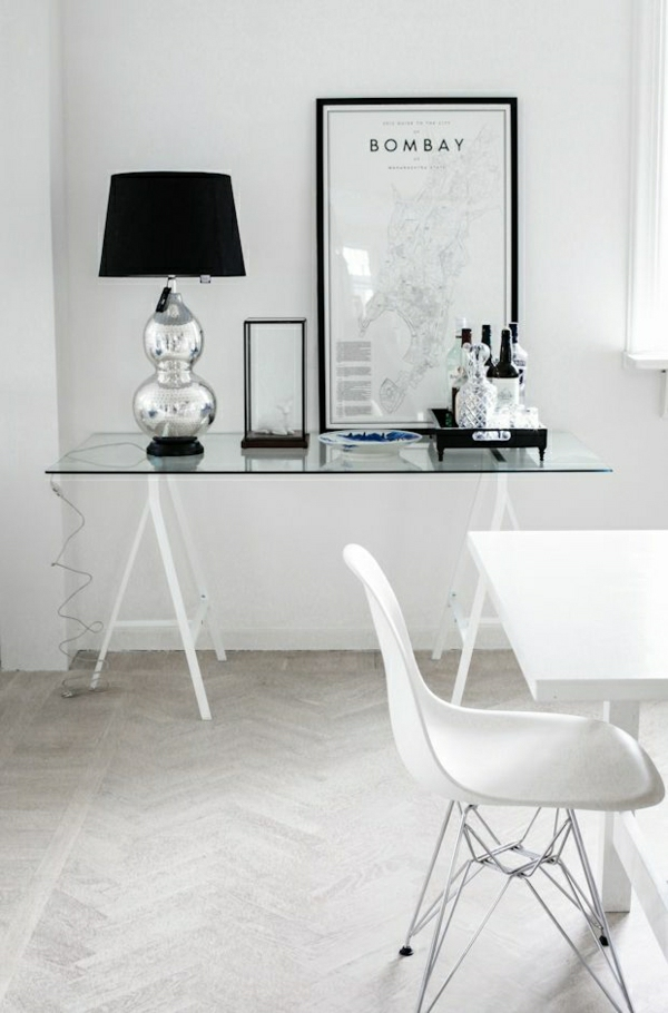 plateau-de-bureau-en-verre-décor-blanc-scandinave-resized