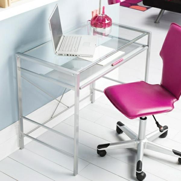 plateau-de-bureau-en-verre-une-chaise-rose-de-bureau