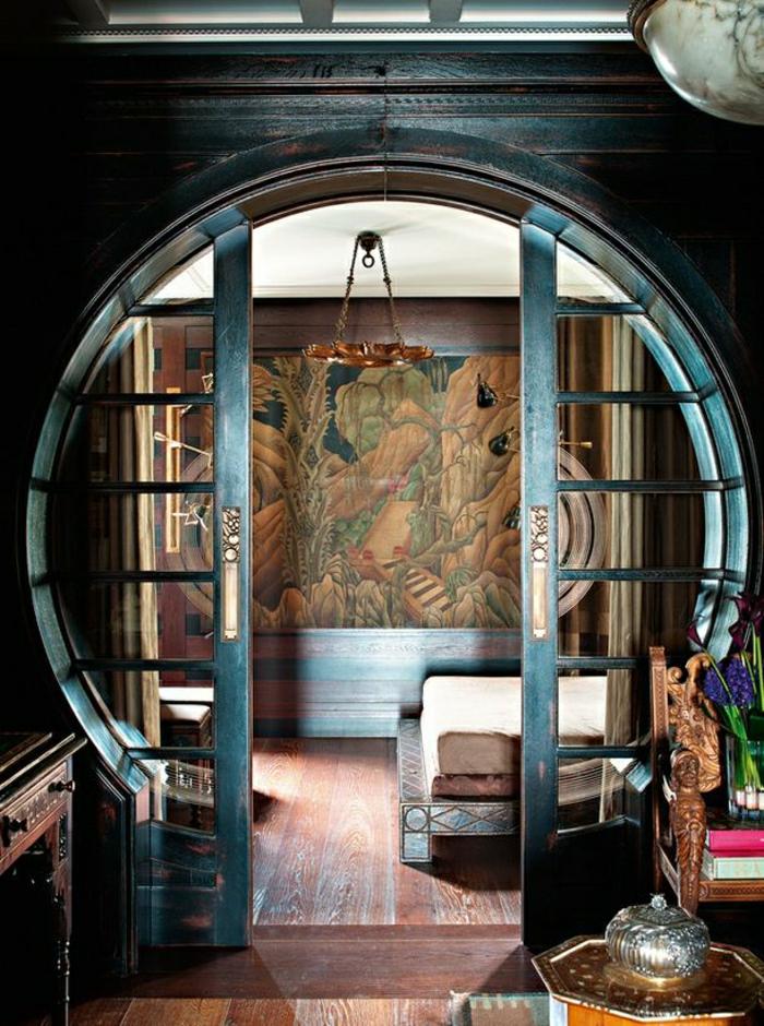 porte-coulissante-en-bois-bleu-intérieur-moderne-plancher-sol-peinture-murale