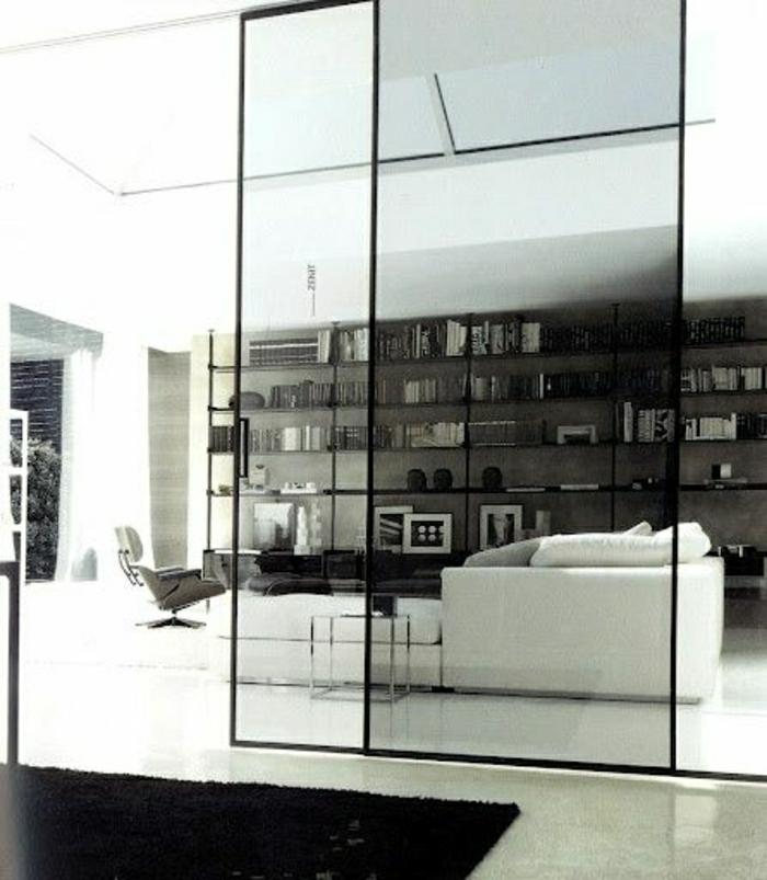 porte-coulissante-intérieur-porte-coulissante-en-verre-canapé-blanc-salon-sol-en-lin