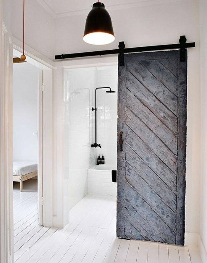 La porte coulissante en 43 variantes magnifiques for Porte blanche en bois