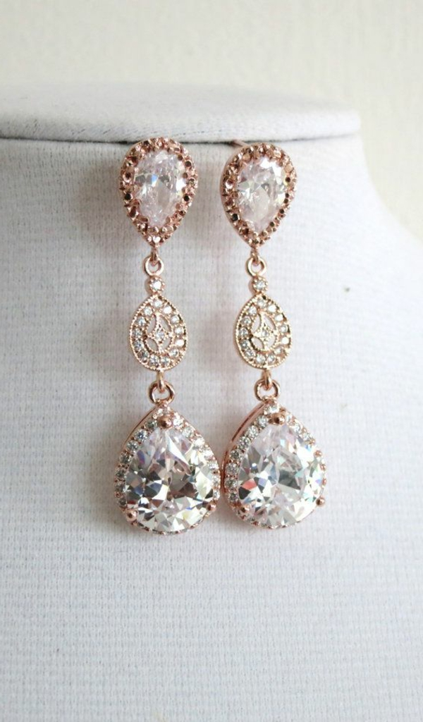 robe-de-mariée-princesse-en-rose-accessoires-cristaux-or-rose