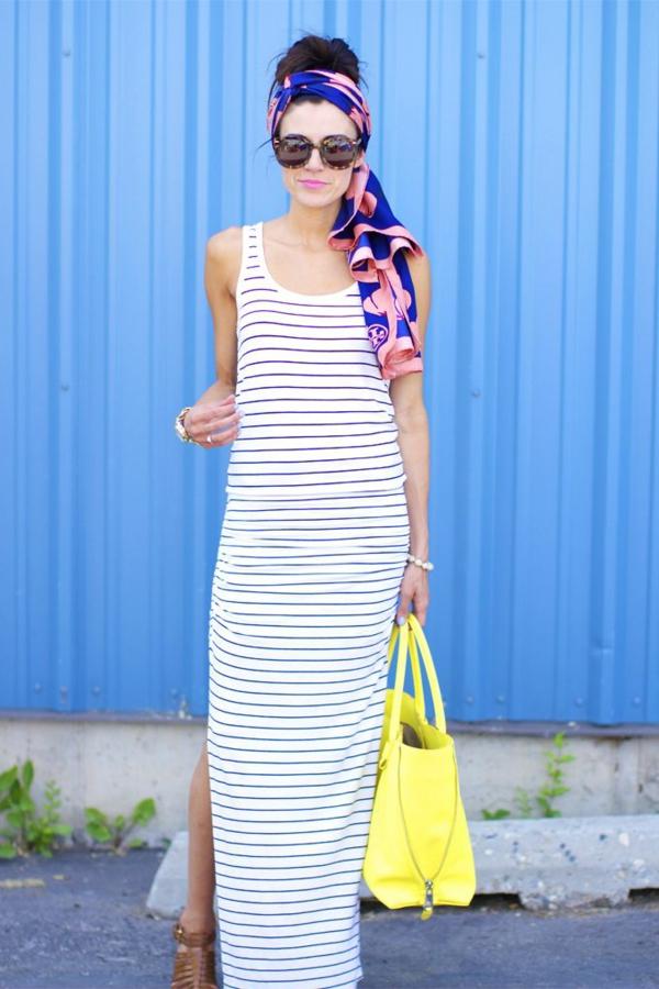 robe-longue-blanc-noir-avec-bandana-cheveux-lunettes-de-soleil