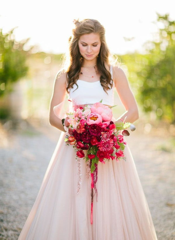 robe-mariage-rose-pritty-in-pink-fleurs-cheveux-longs