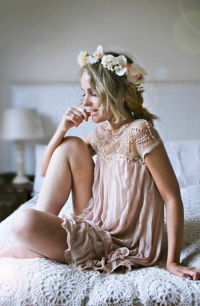 robes-demoiselles-d-honneur-femme-belle-couronne-de-fleurs