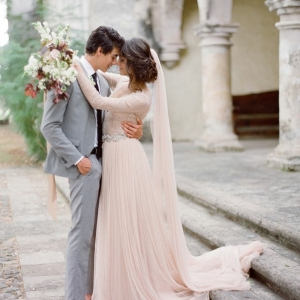 La robe de mariée rose - 60 idées originales!