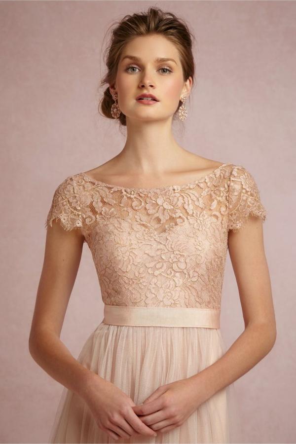 robes-pour-une-mariage-rose-de-princesse-details