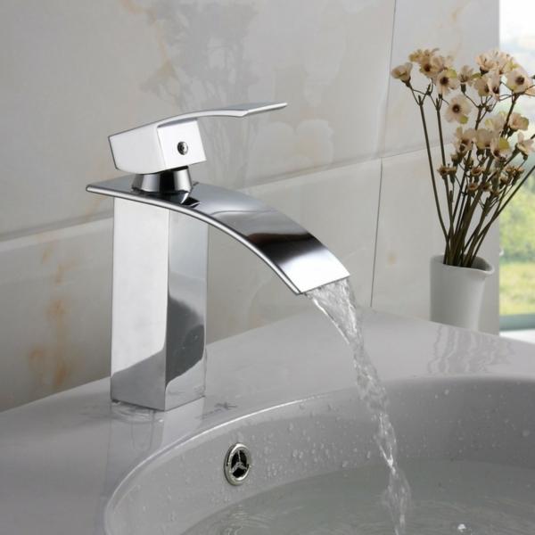 robinet-cascade-carrelage-mural-céramique
