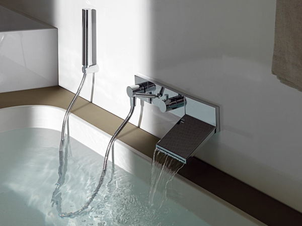 Le robinet cascade en 70 photos - Cascade salle de bain ...