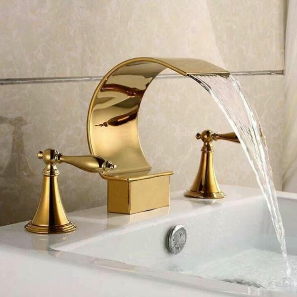 robinet-cascade-doré-design-ondulant