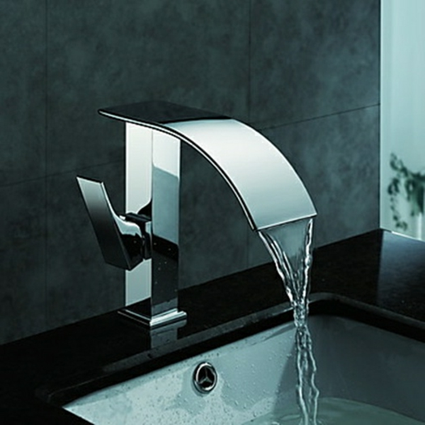 robinet-cascade-finition-chromée