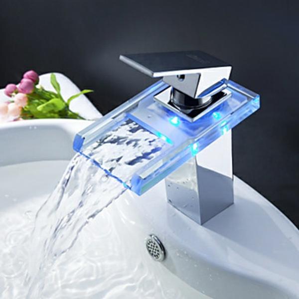 robinet-cascade-mitigeur-changeant-de-couleur