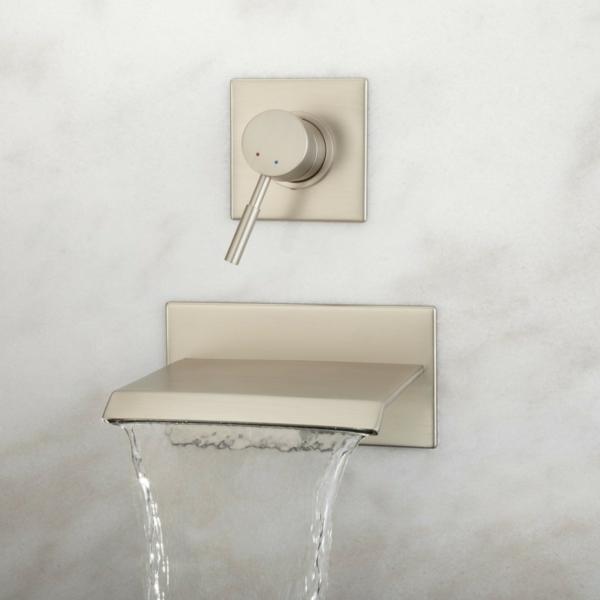 robinet-cascade-monté-au-mur-mécanisme-de-rotation