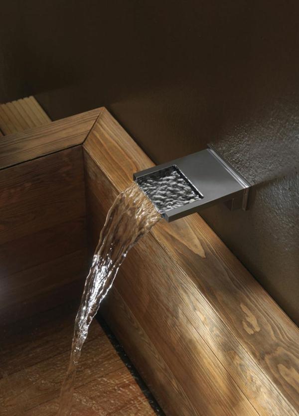robinet-cascade-mural-design-rectangulaire
