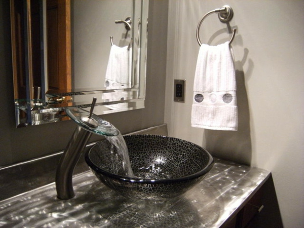 robinet-cascade-vasque-ronde-en-verre-trempé