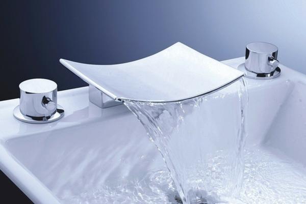 robinetterie-de-baignoire-cascade-élégant