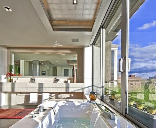 robinetterie-de-baignoire-salle-de-bains-luxueuse
