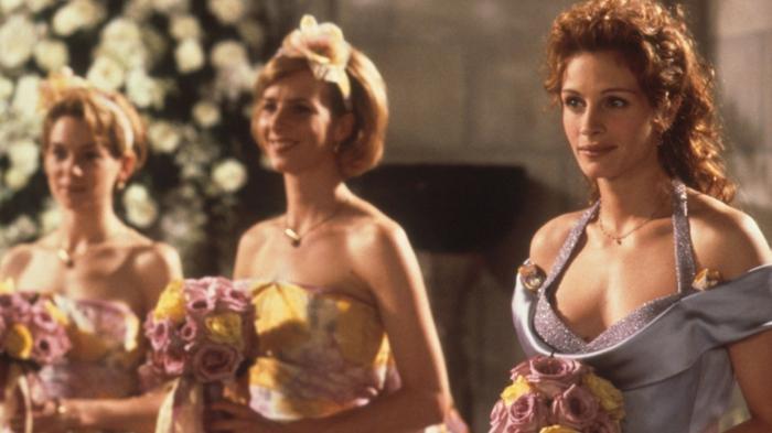 s-habiller-pour-la-fête-de-mariage-robe-demoiselle-dans-les-films-julia-roberts