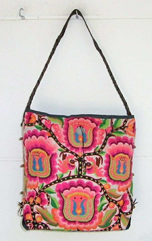 sac-à-main-coloré-en-tissu-femme-mode-plage-fleurs