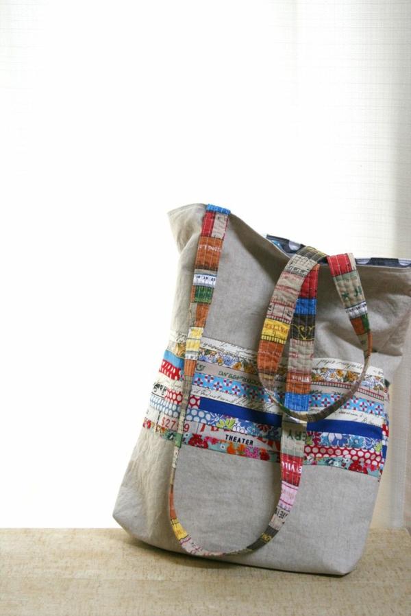 sac-en-toile-aux-motifs-colorés