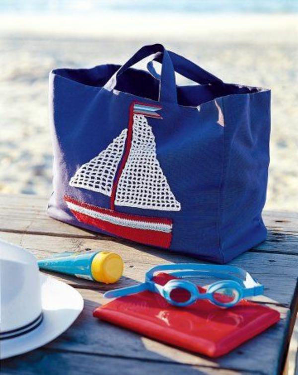 sac-en-toile-bleu-pour-la-plage