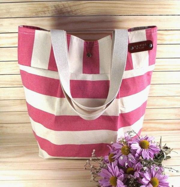 sac-en-toile-en-rose-et-blanc