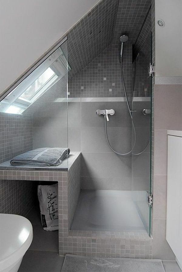 Extrêmement Une salle de bain sous pente ou sous combles en 52 photos! PL76