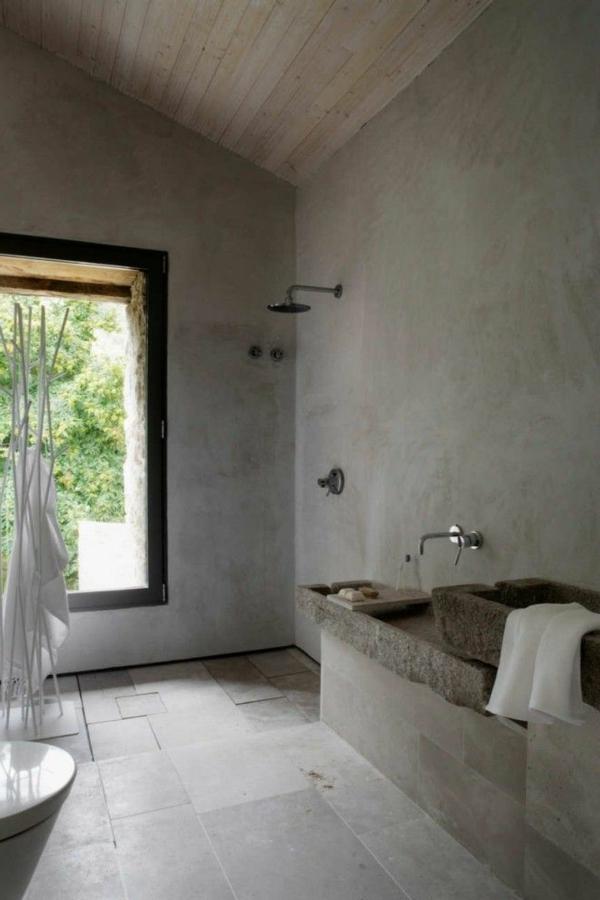 Une salle de bain sous pente ou sous combles en 52 photos Salle de bain rustique industriel
