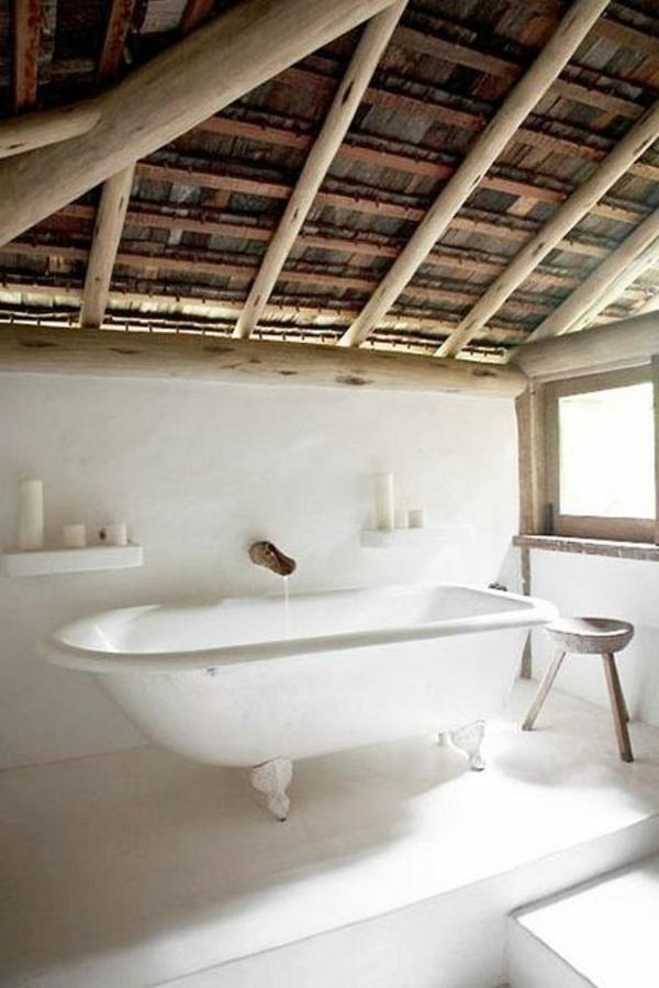 salle-de-bain-rustique-sous-pente