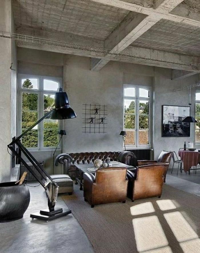 salon-en-cuir-lampe-de-lecture-en-fer-noir-tapis-beige-fenetre-belle-vue-maison