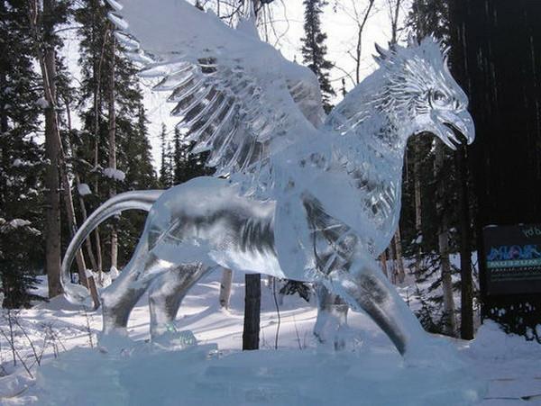 sculpture-de-glace-créature-mythique