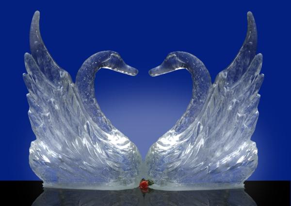 sculpture-de-glace-des-cygnes