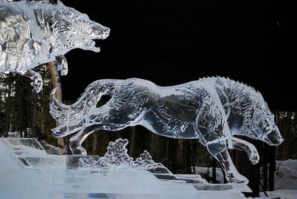 sculpture-de-glace-des-loups