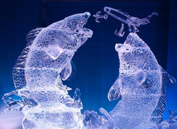 sculpture-de-glace-deux-poissons