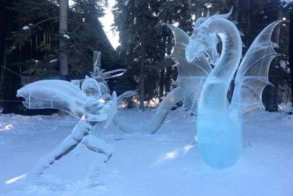 sculpture-de-glace-dragon-et-chevalier