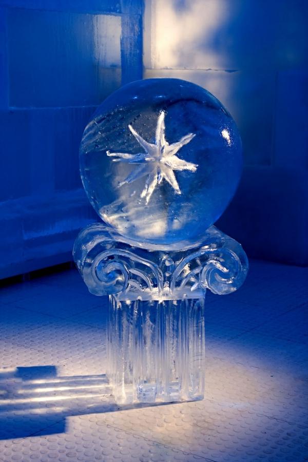 sculpture-de-glace-figure-abstraite