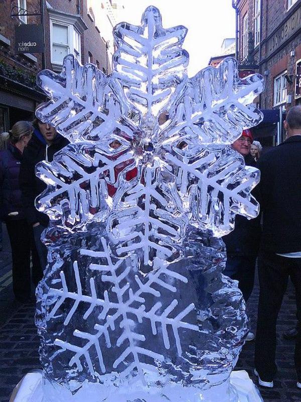 sculpture-de-glace-flocon-de-neige