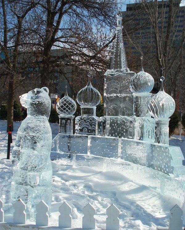 sculpture-de-glace-l-ours-et-le-château