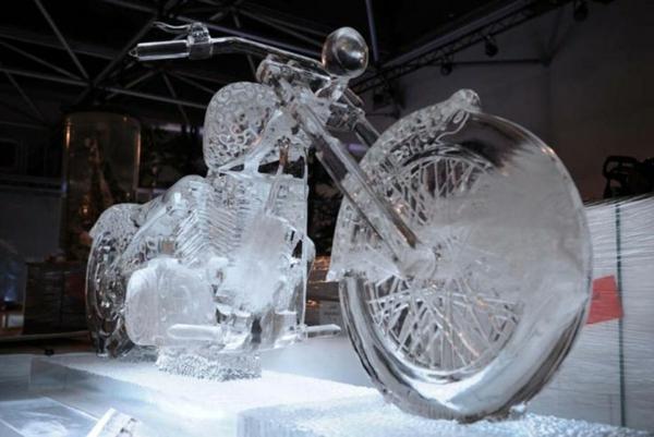sculpture-de-glace-motocyclette
