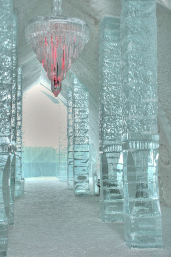 sculpture-de-glace-palais-intérieur-en-glace