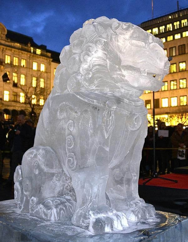 sculpture-de-glace-sculptures-impressionnantes